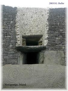 Newgrange, Eingang | 2004©G.Hufler
