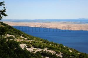 Blick vom Velebitgebirge auf Adria und Insel Pag