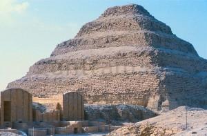 (2) Stufenpyramide des Djoser; Sakkara